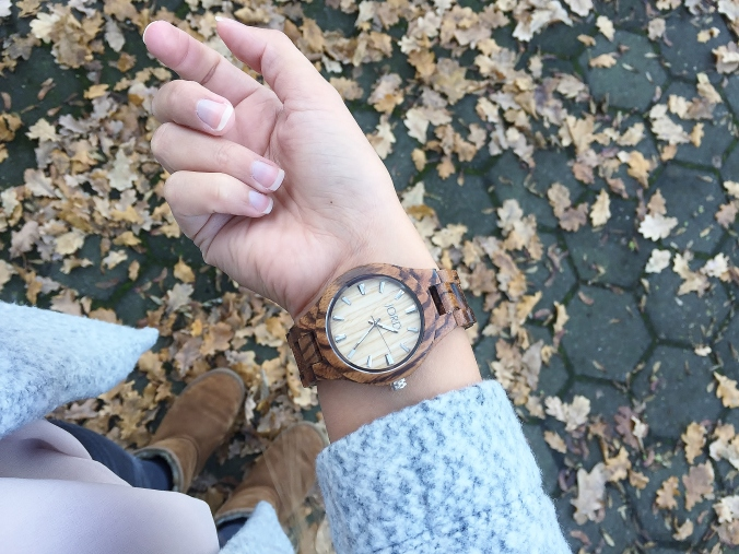 jord-wood-watch-wrist-inner