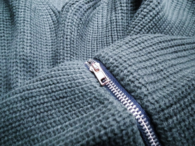 pullover-detail-1